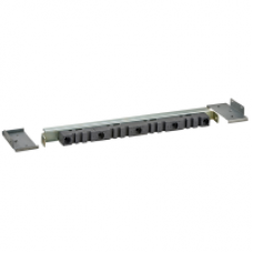 04673 - bottom lateral vertical 5/10mm busbar support D600 Linergy BS, Schneider Electric